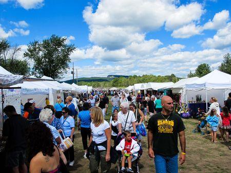 Coupons Tarrytown Craft Fair 2020.Woodstock New Paltz Art Crafts Fair Hudson River Valley
